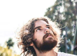 Top 5 idealnych fryzur męskich na wakacje