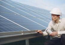 Energia słoneczna zamieniona na prąd elektryczny staje się coraz bardziej popularna na całym świecie